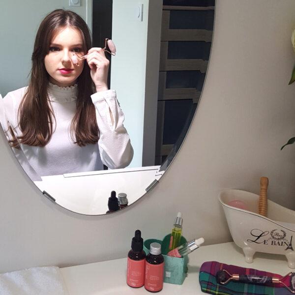 rouleau de massage visage quartz rose4 700x700