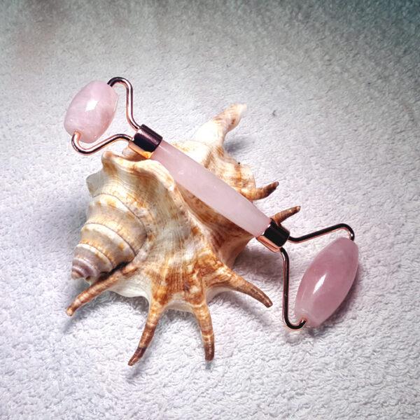 rouleau de massage visage quartz rose8 700x700